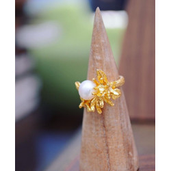 Ottoman Hands Pearl Flower Ring